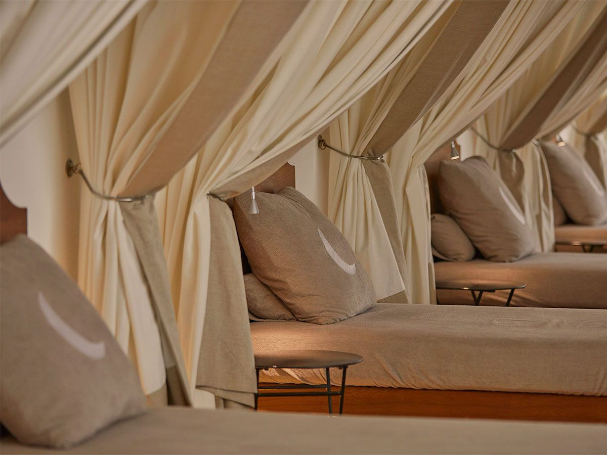S.P.A. chill out area bed Cap Rocat